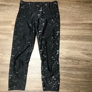 Terez Black Splatter Women's Small Crop Leggings